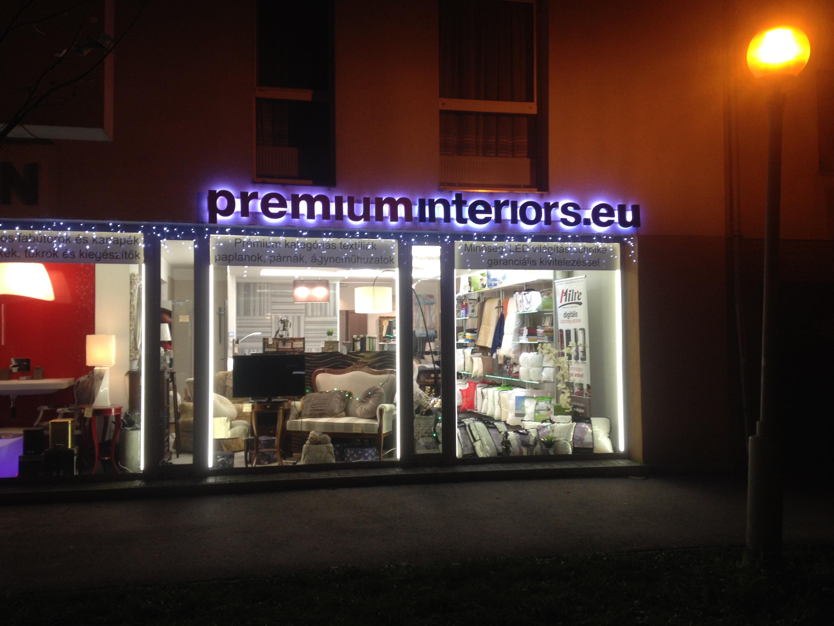 Konzol, LED, plasztikus betű, kasírozott grafika, PROFI-L Studio Dekor.JPG